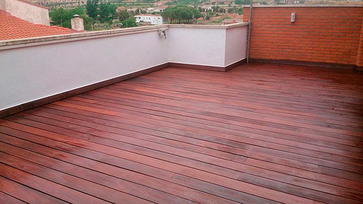Renovación de tarima de ipé con aceite de terrazas Livos Alis